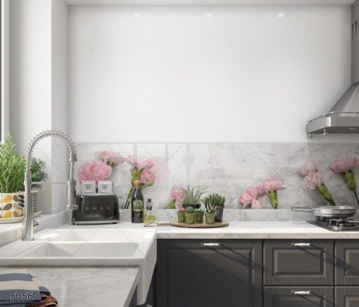 חיפוי קיר זכוכית למטבח פרחים ורודים על רקע לבן סגנון נורדי דגם 5056