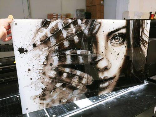 אמליה בשחור לבן - תמונת זכוכית מיוחדת לתלייה בסלון במשרד בחדר שינה דגם  E98899-1 photo review