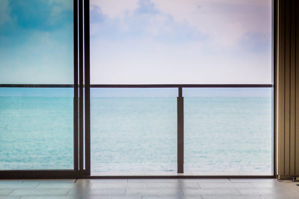 glass railing for balcony