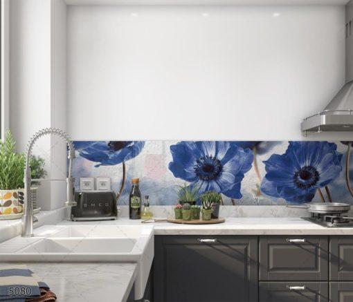 פרחים כחולים על רקע לבן חיפוי מטבח מזכוכית דגם 5080