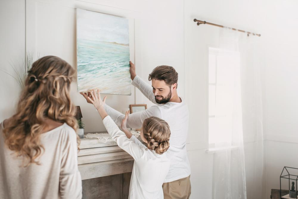 diy-hanging-pictures-by-yourself