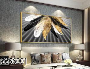 תמונה יוקרתית מעוצבת על זכוכית לבית מודרני - נוצות בצבעים שחור זהב לבן דגם 5656001